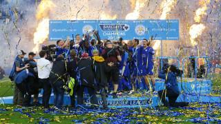 Η παρέα των παικτών της Λέστερ έγραψε ιστορία με την κατάκτηση του πρωταθλήματος Αγγλίας