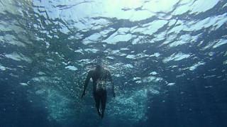 Είκοσι τέσσερις κολυμβητές καταδύονται στο έργο του Αλέξανδρου Παπαδιαμάντη