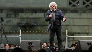 Προηγείται στις δημοσκοπήσεις για πρώτη φορά ο Μπέπε Γκρίλο