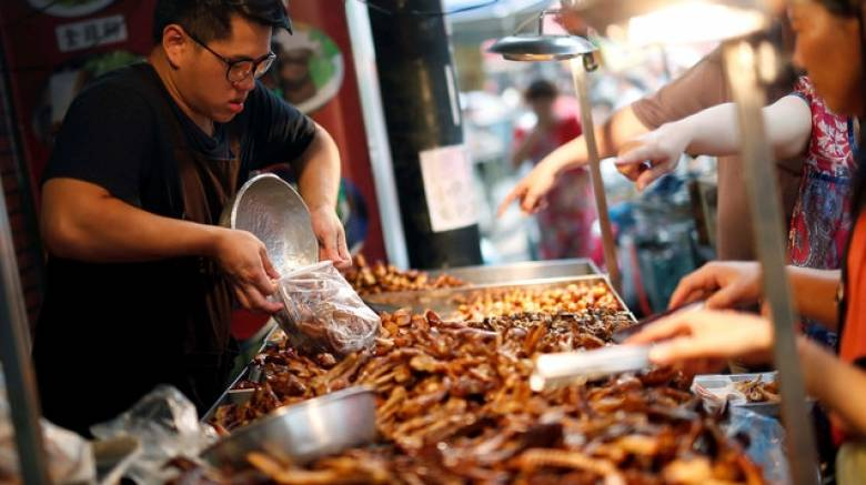Έρευνα αποκαλύπτει τις επιπτώσεις στην υγεία από το «πρόχειρο φαγητό»