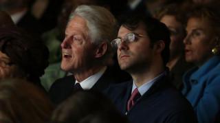 Κλείνει το hegde fund για την Ελλάδα ο γαμπρός του Κλίντον