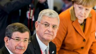 Επιμένει η Τουρκία ότι πληροί τα 72 κριτήρια για την βίζα