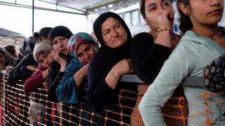 Βίζα και Βίσεγκραντ μπλοκάρουν τους πρόσφυγες στην Ελλάδα