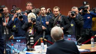 Wall Street Journal: H Γερμανία πιέζει το ΔΝΤ να αποδεχθεί τη συμφωνία για την Ελλάδα