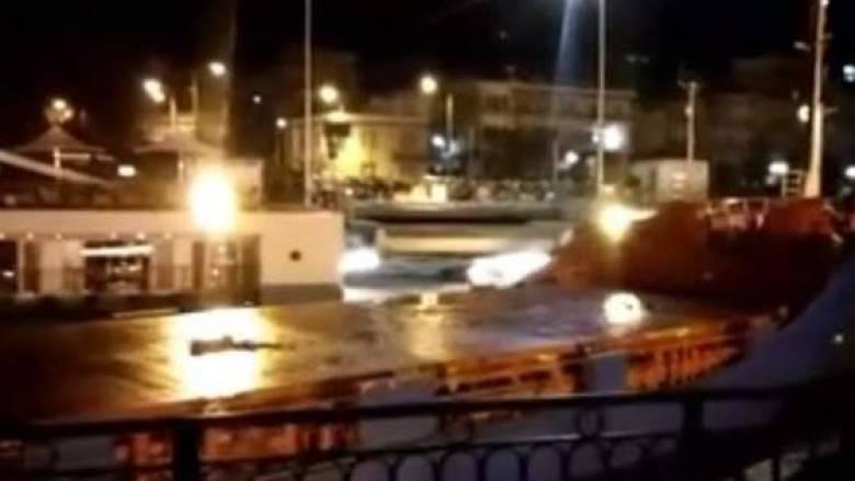 Πρόσκρουση πλοίου στη γέφυρα του Ευρίπου στη Χαλκίδα