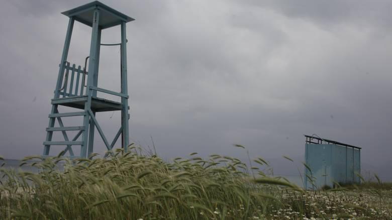 Καιρός: Μίνι καύσωνας το Σάββατο, αυξημένη συννεφιά την Κυριακή