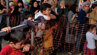 Παιδιά πρόσφυγες εργάζονται σε εργοστάσια ρούχων στη Σμύρνη