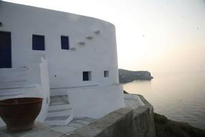 Σίφνος: Ένα νησί για παραδοσιακή διασκέδαση με πολλές γιορτές και πανηγύρια