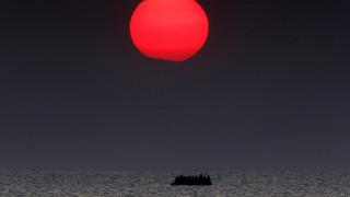 8 κορυφαίοι φωτο-ειδησεογράφοι απαθανατίζουν το ταξίδι της οδυνηρής προσφυγιάς
