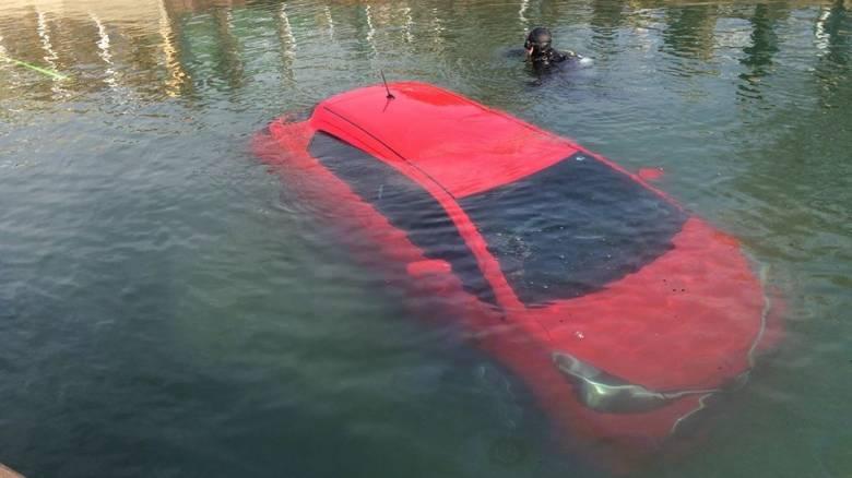 Ακολούθησε το GPS και έπεσε σε λίμνη