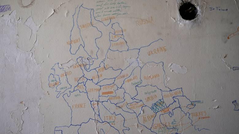 Interpol: Ξεπέρασαν τα 5 δισ. ευρώ τα κέρδη των διακινητών προσφύγων το 2015