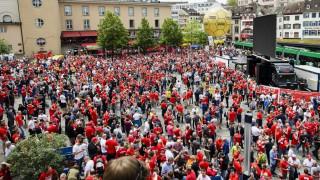 Οι οπαδοί της Λίβερπουλ και της Σεβίλλης στην Βασιλεία για τον τελικό του Europa League