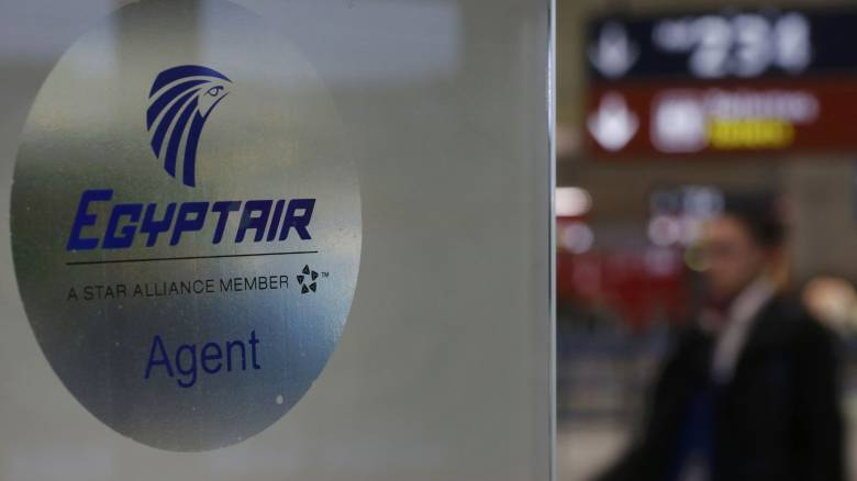 EgyptAir: Κανένα ενδεχόμενο δεν πρέπει να αποκλειστεί, λέει ο Βαλς