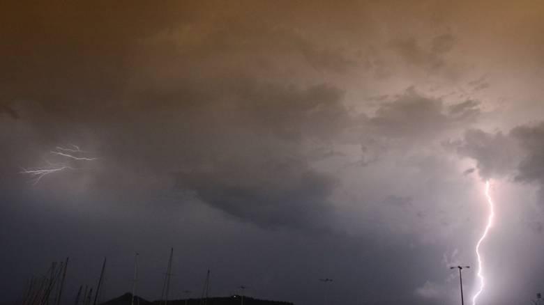 Σάββατο με βροχές και καταιγίδες