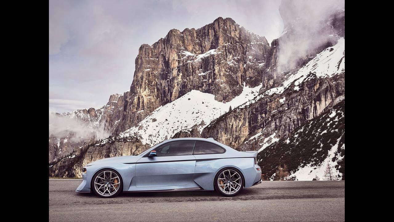 https://cdn.cnngreece.gr/media/news/2016/05/21/33001/photos/snapshot/BMW-2002-HOMMAGE-1.jpg