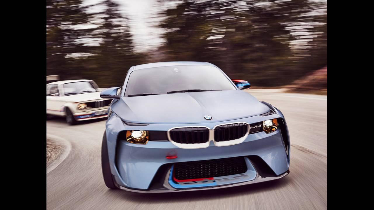 https://cdn.cnngreece.gr/media/news/2016/05/21/33001/photos/snapshot/BMW-2002-HOMMAGE-13.jpg