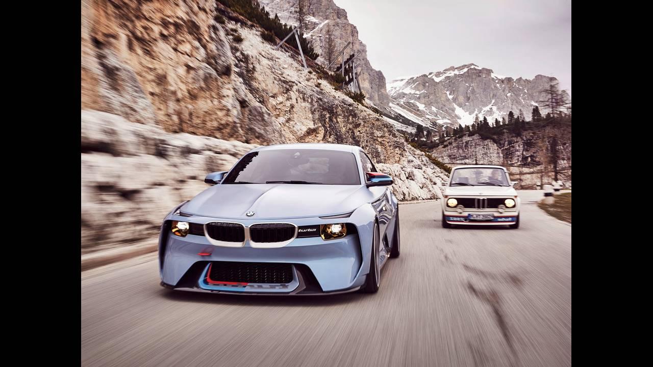 https://cdn.cnngreece.gr/media/news/2016/05/21/33001/photos/snapshot/BMW-2002-HOMMAGE-14.jpg