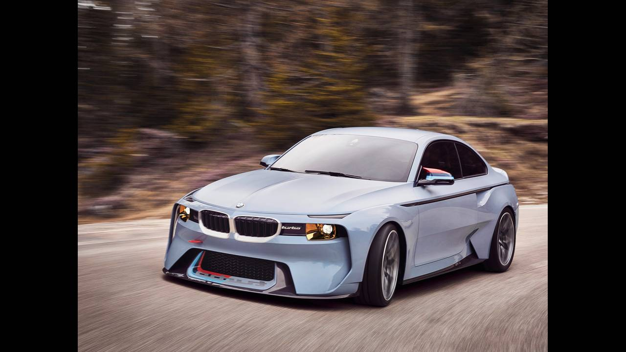 https://cdn.cnngreece.gr/media/news/2016/05/21/33001/photos/snapshot/BMW-2002-HOMMAGE-15.jpg