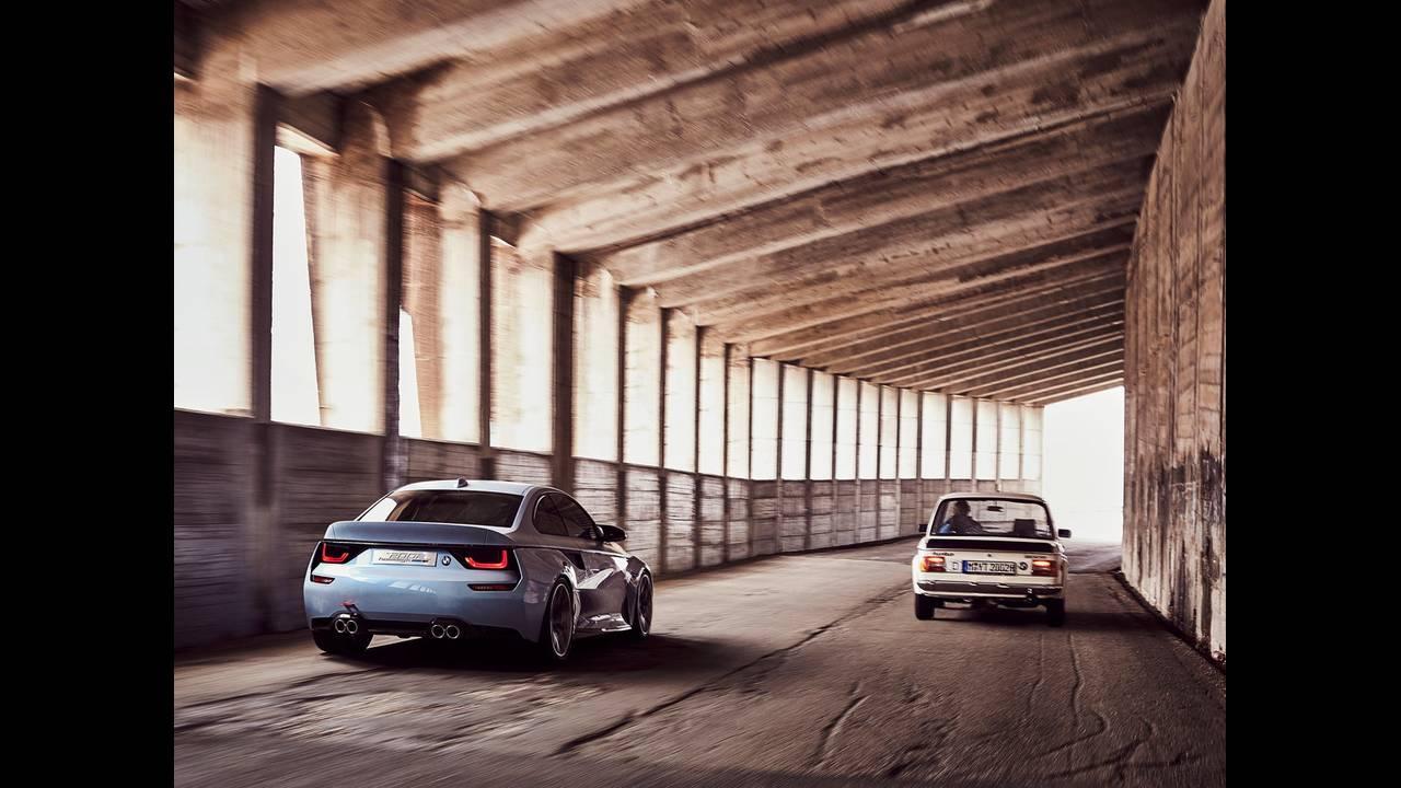 https://cdn.cnngreece.gr/media/news/2016/05/21/33001/photos/snapshot/BMW-2002-HOMMAGE-2.jpg