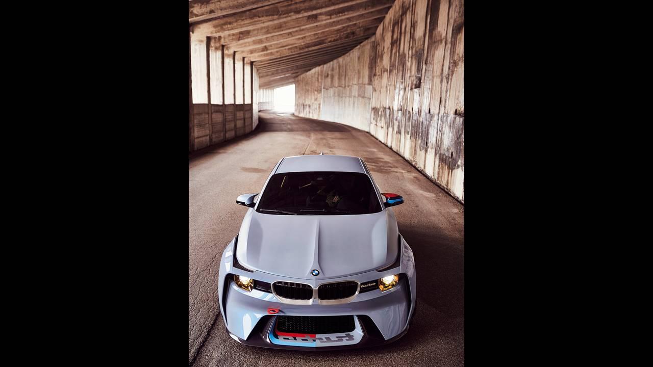 https://cdn.cnngreece.gr/media/news/2016/05/21/33001/photos/snapshot/BMW-2002-HOMMAGE-4.jpg