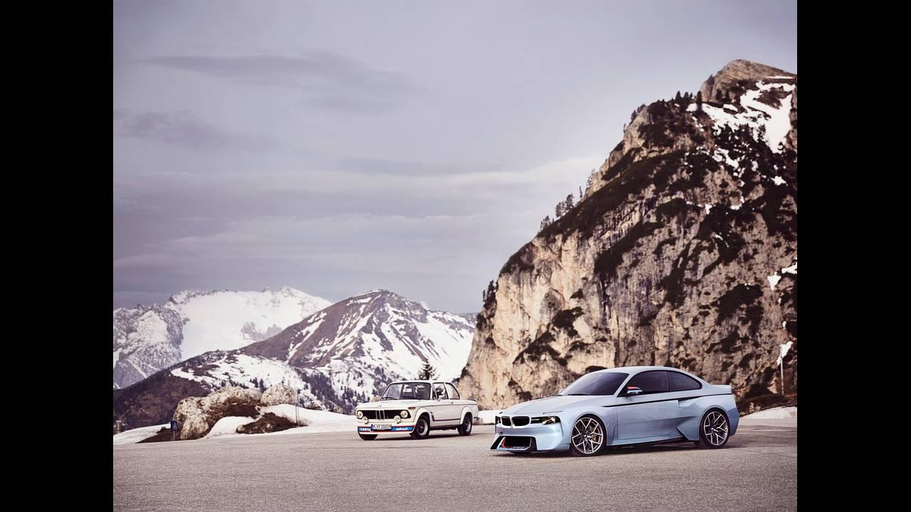 https://cdn.cnngreece.gr/media/news/2016/05/21/33001/photos/snapshot/BMW-2002-HOMMAGE-9.jpg