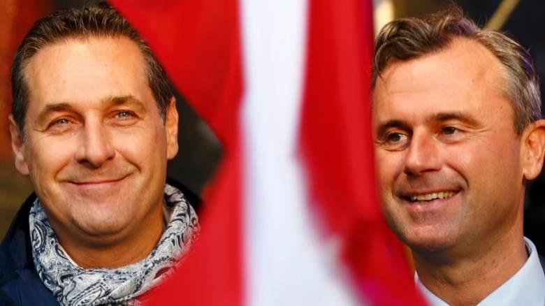 Άνοιξαν τα εκλογικά τμήματα στην Αυστρία - Ψηφίζουν για νέο πρόεδρο