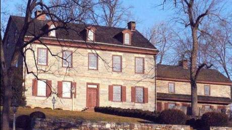Εννέα στοιχειωμένα σπίτια προς πώληση