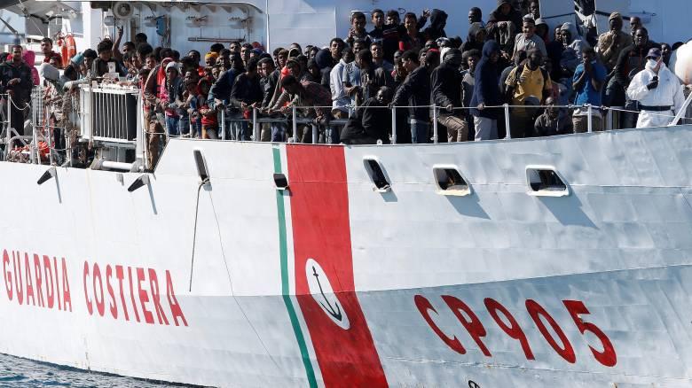 Mετατόπιση των προσφυγικών ροών προς Ιταλία