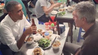 Ο Ομπάμα τρώει βραδινό με έξι δολάρια... Και δεν πληρώνει (pics)