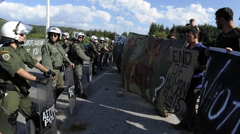 Ειδομένη: Ολοκληρώθηκε η πρώτη μέρα της εκκένωσης του καταυλισμού