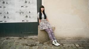 Alexia, 21, πωλήτρια στο Marais.