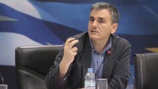 Σύμφωνος ο Τσακαλώτος με την κατάργηση του μειωμένου συντελεστή ΦΠΑ στα νησιά