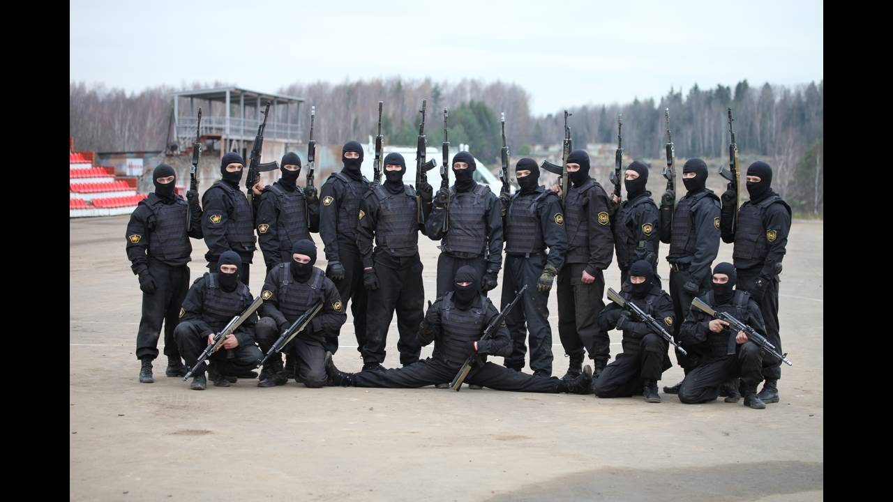 https://cdn.cnngreece.gr/media/news/2016/05/27/33746/photos/snapshot/604th_Special_Purpose_Center_TsSN_Vityaz_of_Internal_troops.jpg
