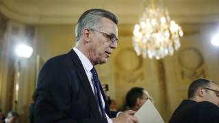 Ο Γερμανός υπουργός Εσωτερικών κατήγγειλε τη μερική αποβλάκωση της γερμανικής κοινωνίας