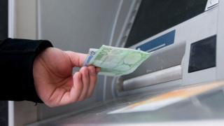 Χαλάρωση των capital controls ζητούν οι τράπεζες
