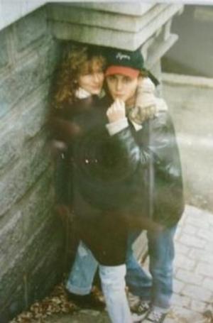 1989, Τζένιφερ Γκρέι. Αρραβωνιάστηκαν και χώρισαν, πολύ, πολύ, πολύ γρήγορα.