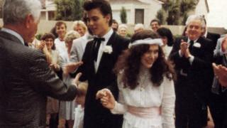 Από τον άγνωστο γάμο στα περιοριστικά μέτρα. Η ταραχώδης ερωτική ζωή του Τζόνι Ντεπ σε μία λίστα