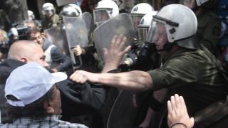Επεισόδια σε συγκέντρωση λιμενεργατών στο Σύνταγμα (vid)