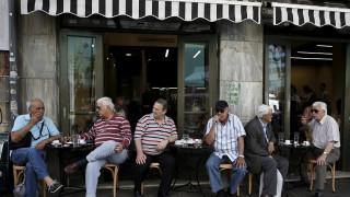 Εξαντλημένοι οι Έλληνες φορολογούμενοι από τις πρόσθετες επιβαρύνσεις