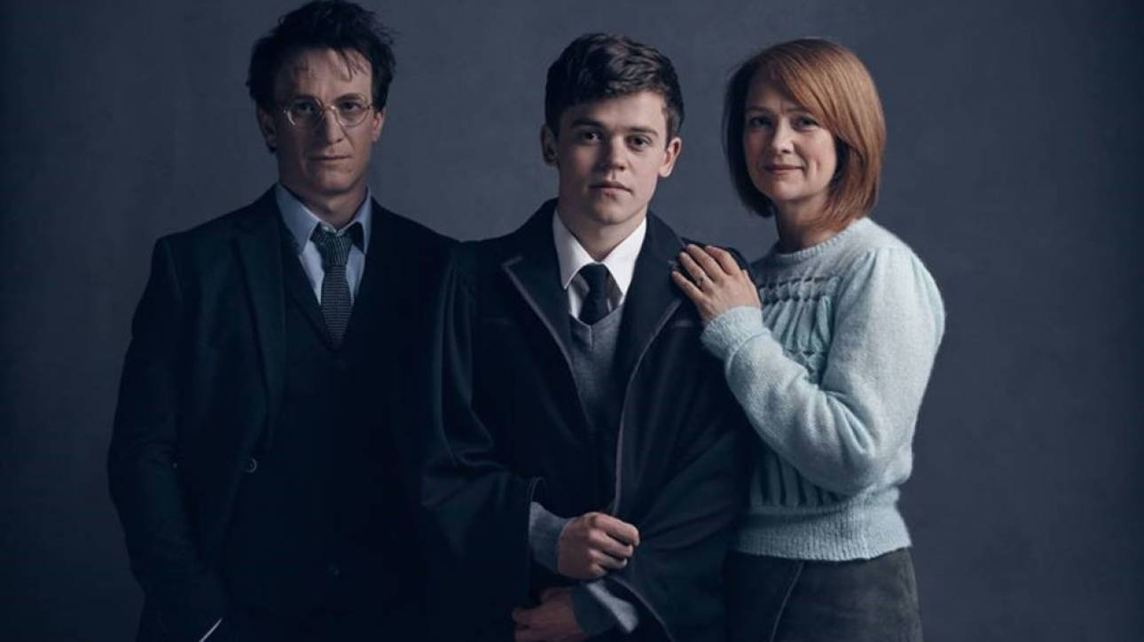 Οι ήρωες του νέου Χάρι Πότερ ποζάρουν στο φακό πριν την όγδοη περιπέτεια τους