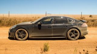 Η καινούργια Porsche Panamera βράζει στο ζουμί της σε δοκιμές στη Νότιο Αφρική