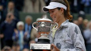 Η Μουγκουρούθα κατέκτησε το Roland Garros υποχρεώνοντας τη Σερένα Γουίλιαμς σε 2η ήττα