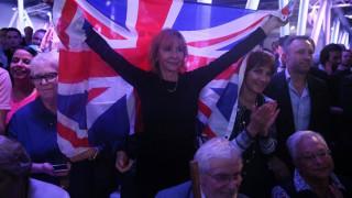 Στροφή των Βρετανών προς το Brexit με προβάδισμα τριών ποσοστιαίων μονάδων
