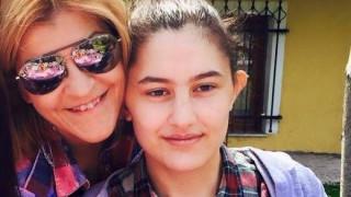 Συγκινητικό αντίο στη Ν. Νικολοπούλου από τη μητέρα της