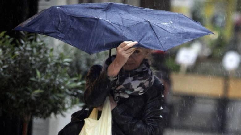 Βροχές και καταιγίδες από την Τρίτη