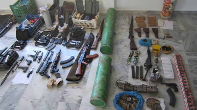 Σε Ελλάδα, Αυστρία και Γερμανία οι έρευνες για το καρτέλ λαθρεμπορίου όπλων