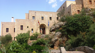 Ι.Μ Χρυσοπηγής: Οι μοναχές που κεντούν τα άμφια του Οικουμενικού Πατριάρχη