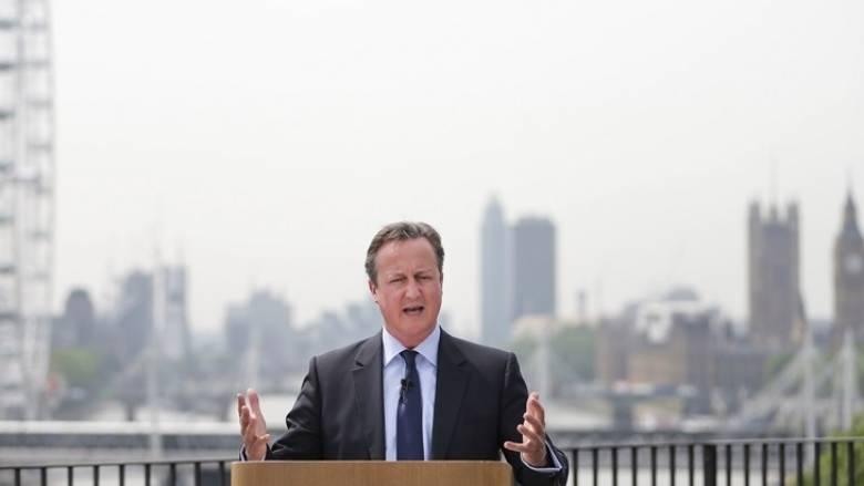 Κάμερον: Μην επιλέξετε τη μικρή Αγγλία του Νάιτζελ Φάρατζ