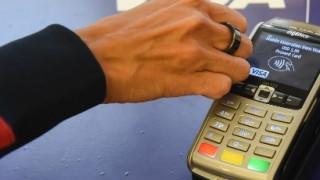 Ξεχάστε τις χρεωστικές κάρτες – Έρχονται τα... χρεωστικά δαχτυλίδια!