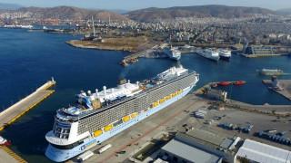 Επτά κρουαζιερόπλοια και 13.320 επιβάτες τους αναμένονται στον Πειραιά εν μέσω απεργίας